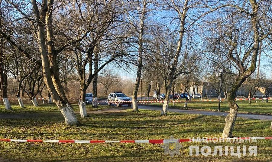 Тело обнаружили в парковой зоне