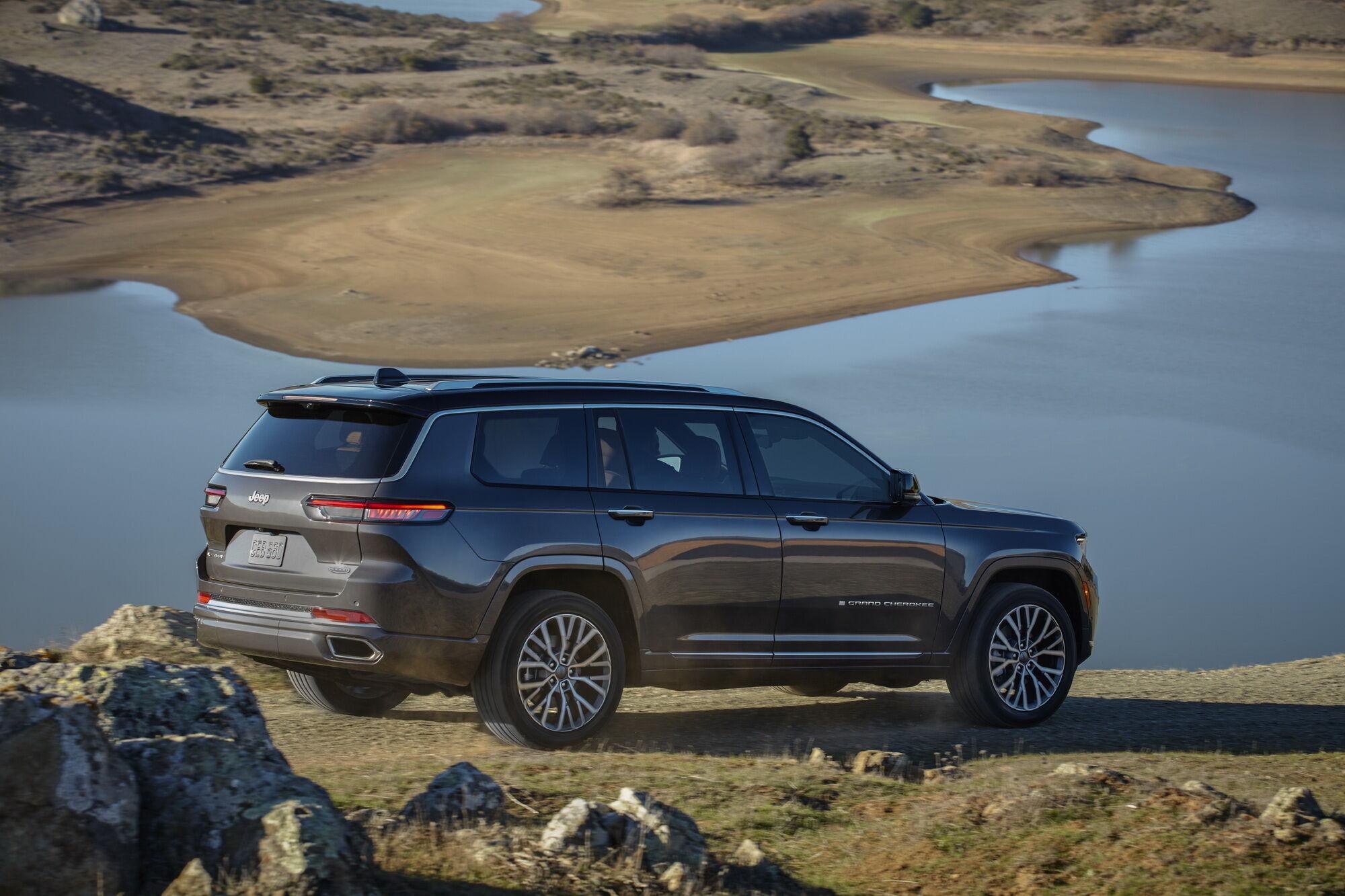 Спочатку для Grand Cherokee L будуть доступні два двигуни – базовий V6 3.6 та опціонний V8 5.7