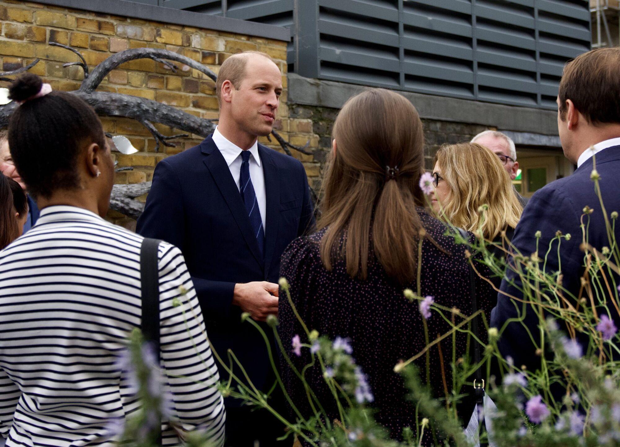 Принц Уильям в благотворительной организации