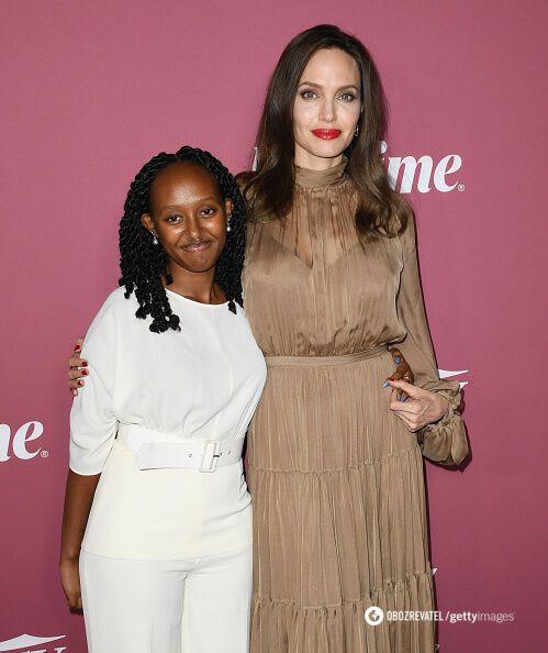 Анджеліна Джолі з дочкою.