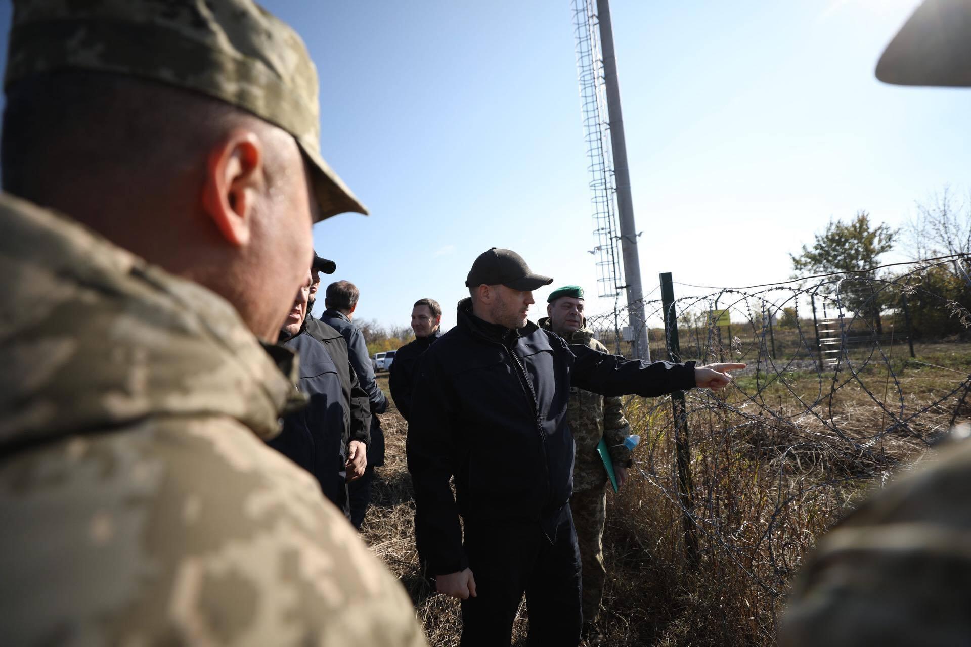 Міністр оглянув ділянку україно-російського кордону у Розсипному