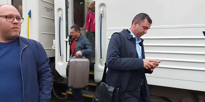 У поїзді було близько 50 депутатів