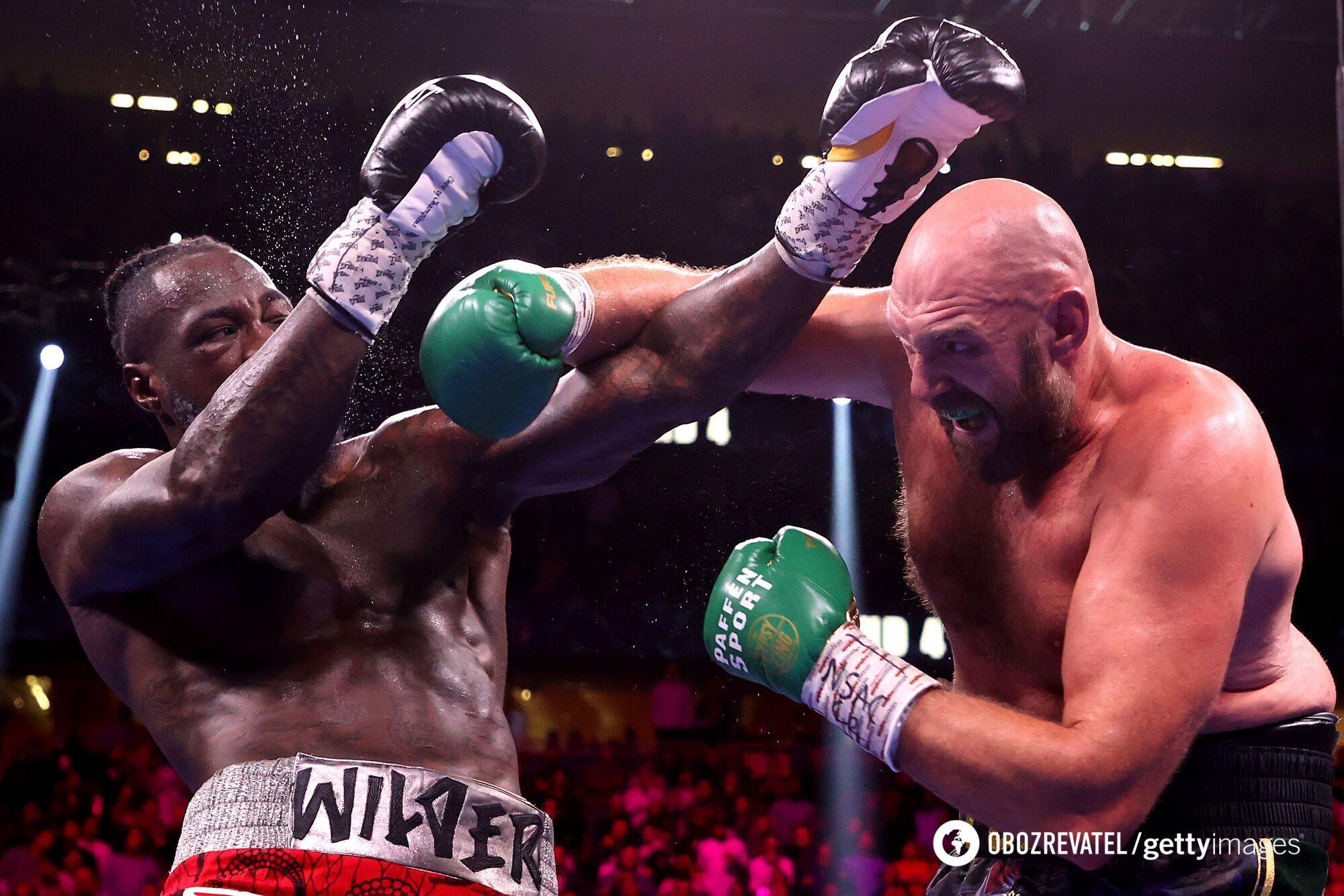 Боксери влаштували рубку.