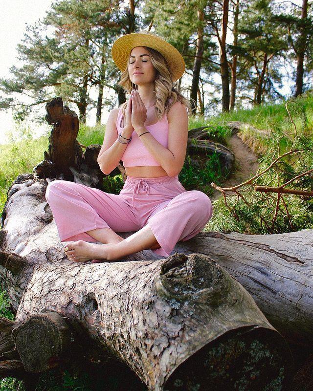 Екатерина Тарасова учила подписчиков медитировать