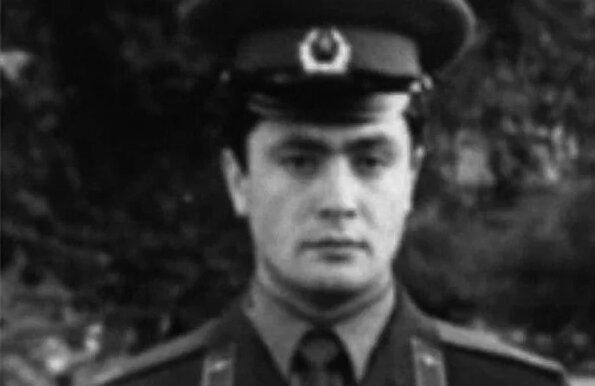 Петр Порошенко в армии.