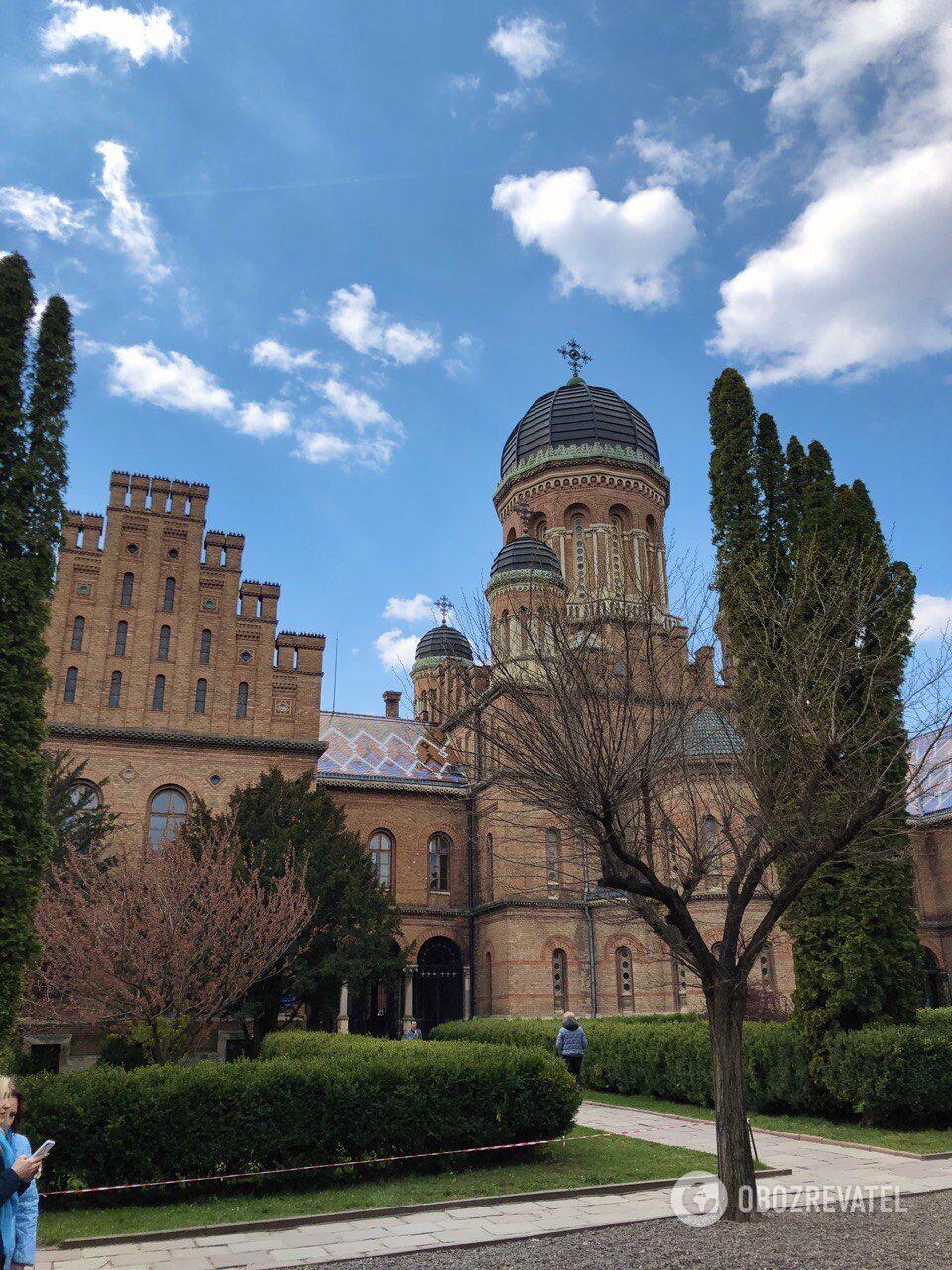 Архитектура Черновицкого университета впечатляет.