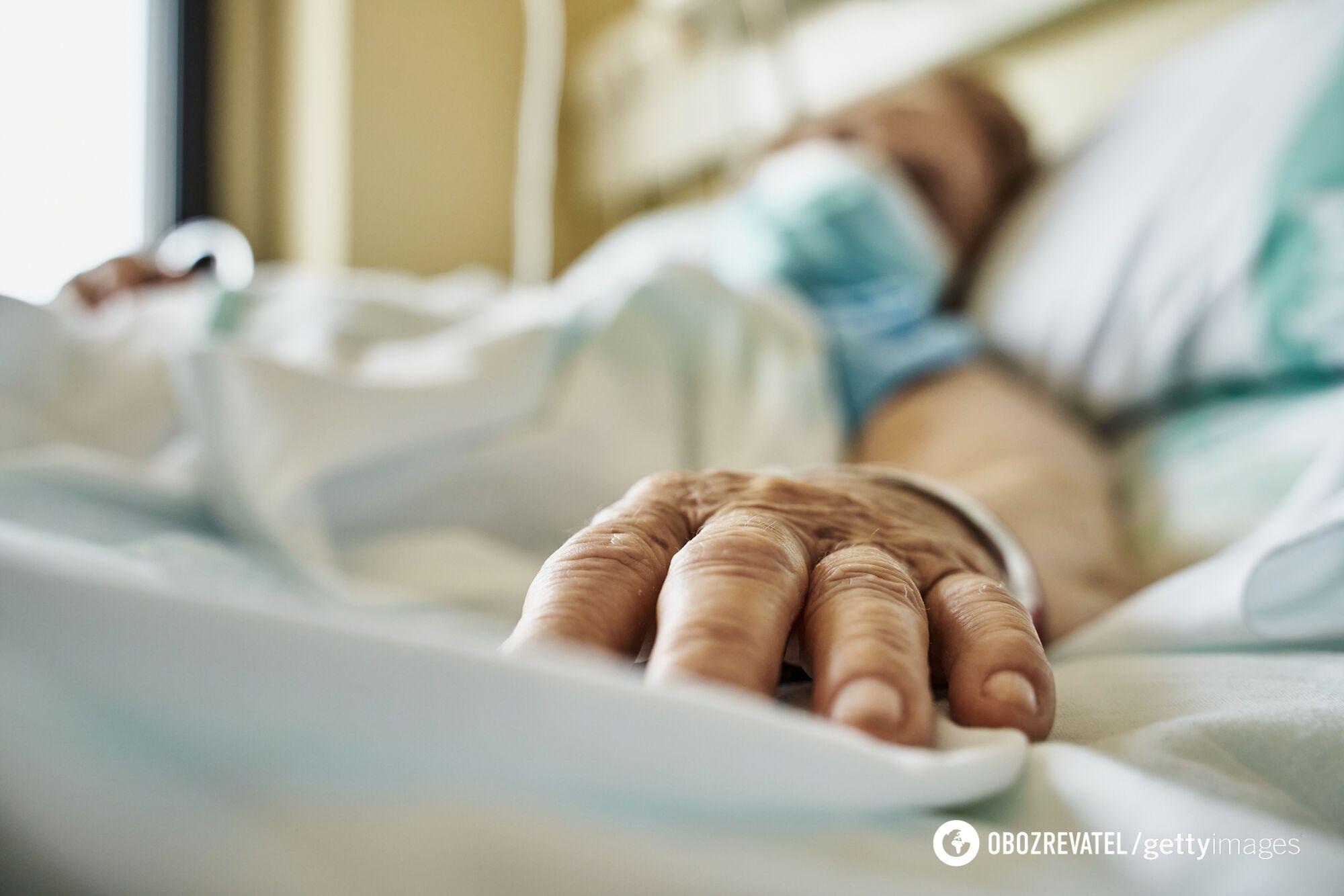 Реанимации в Украине переполнены COVID-больными.