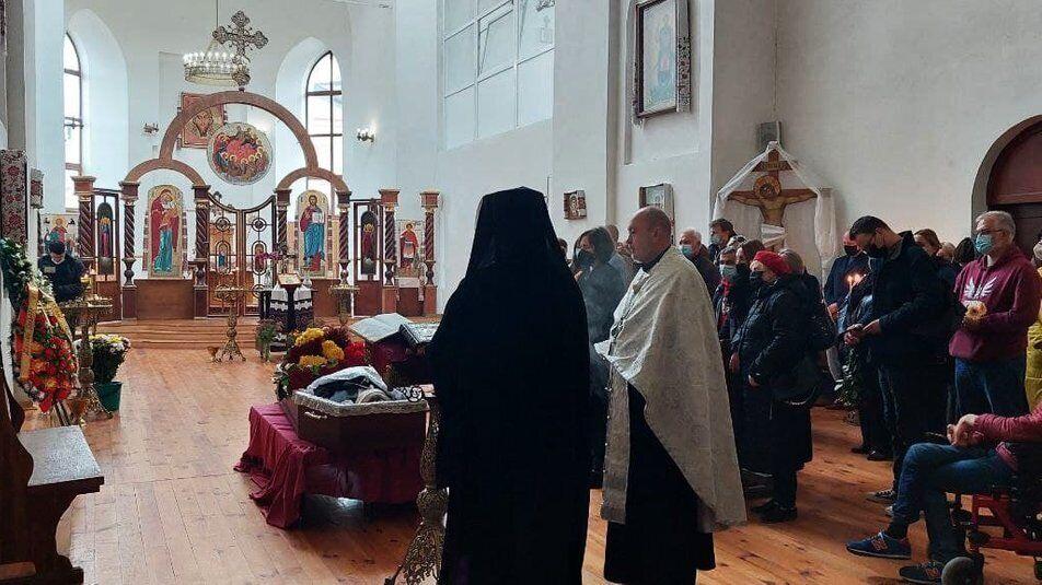 Прощание проходит в Свято-Дмитриевском храме