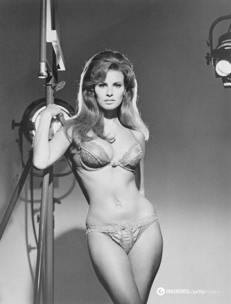 Американская актриса Ракель Уэлч в нижнем белье, 1970.