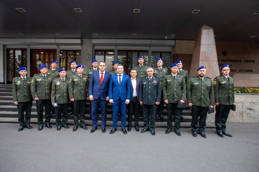 Работники системы МВД получили государственные и ведомственные награды накануне праздника