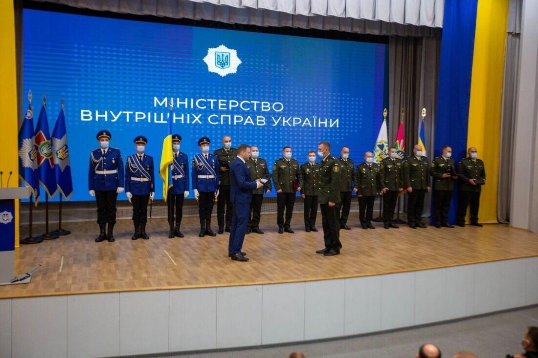 Военные получили награды в Министерстве внутренних дел