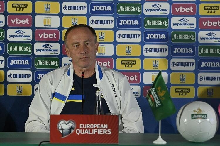 Александр Петраков на пресс-конференции.