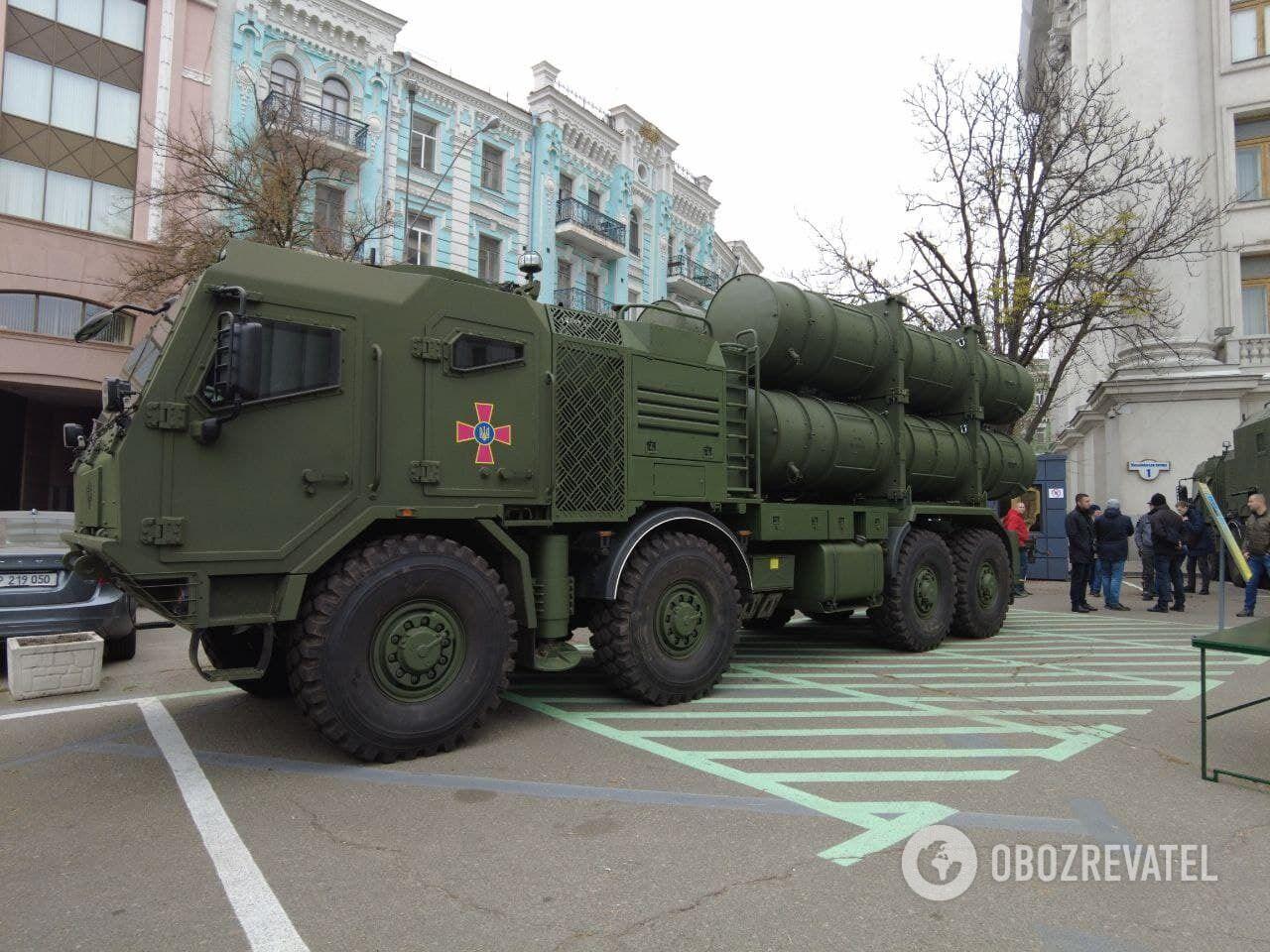 Военная техника на выставке в Киеве.
