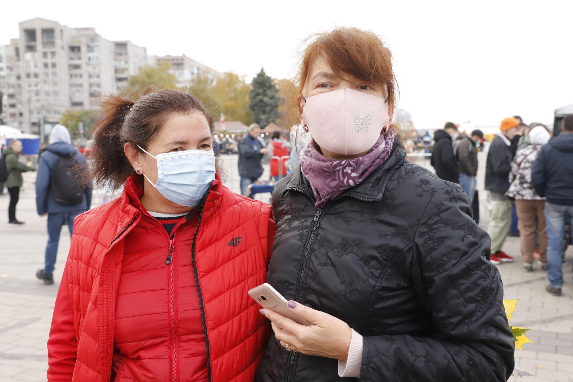 Днипрянка Инга посетила фестиваль вместе с подругой из Одессы