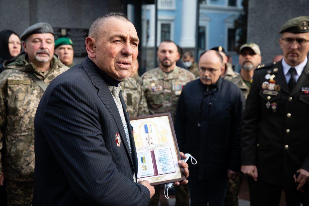 Отец погибшего разведчика Ярослава Журавля
