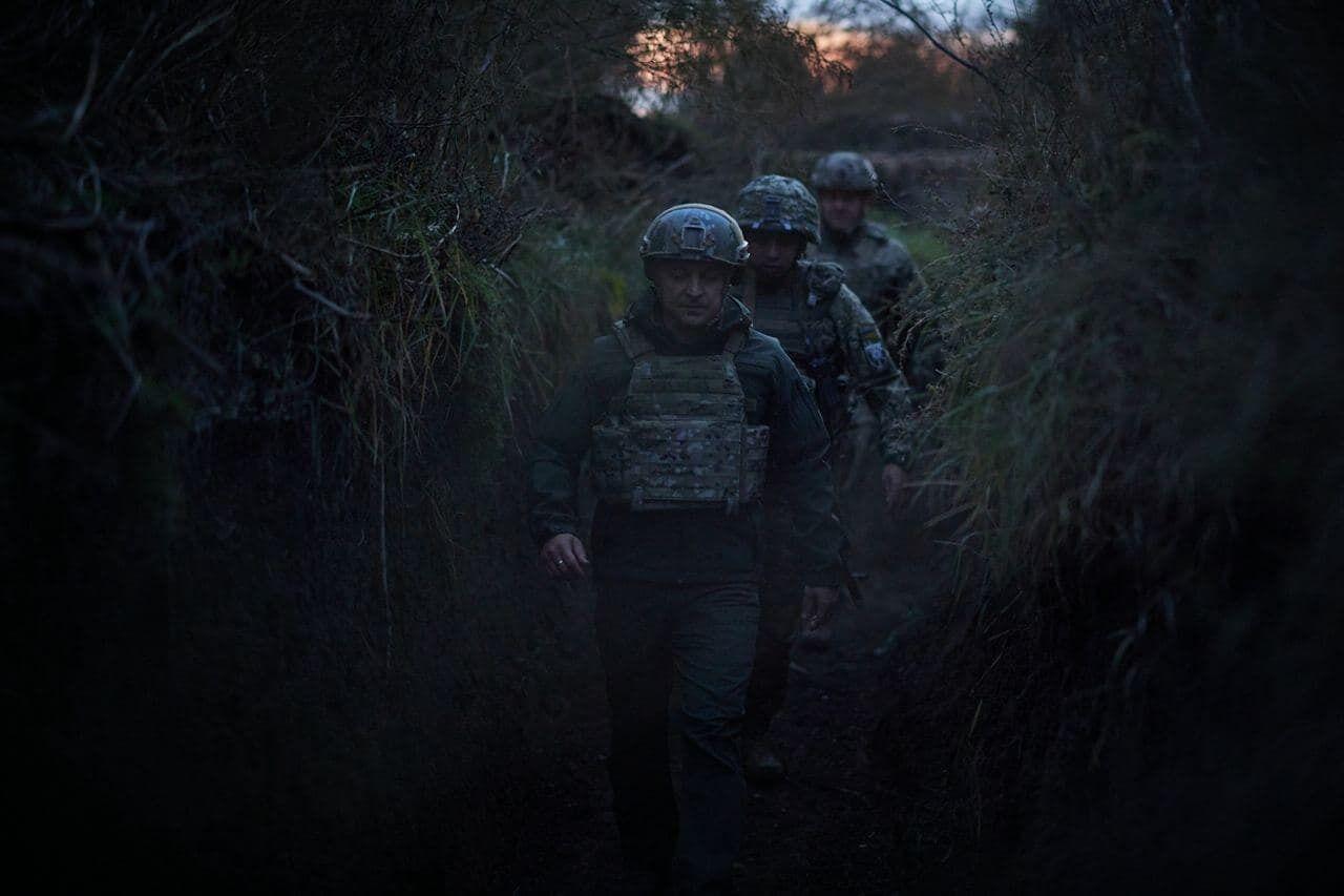Зеленський подякував військовим за службу