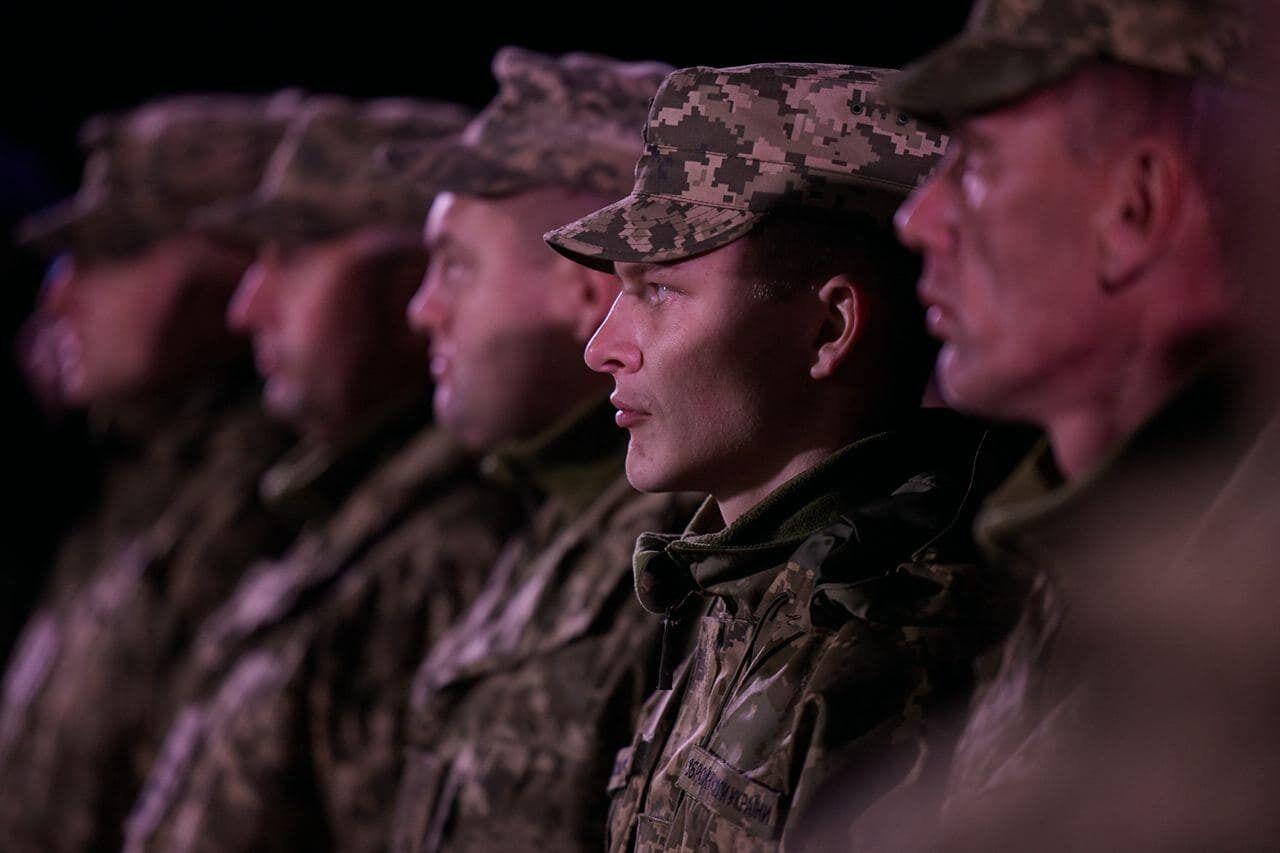 Військовослужбовці отримали нагороди від президента