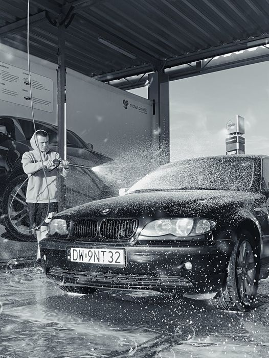 Василий очень гордился своей машиной