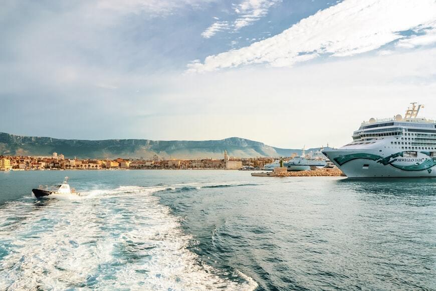 Адріатичне море в Хорватії.
