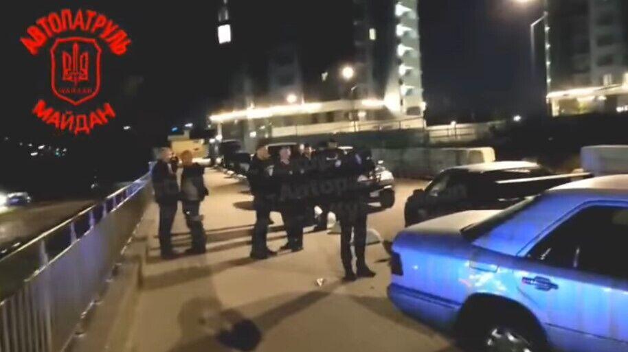 На месте работали патрульные полицейские