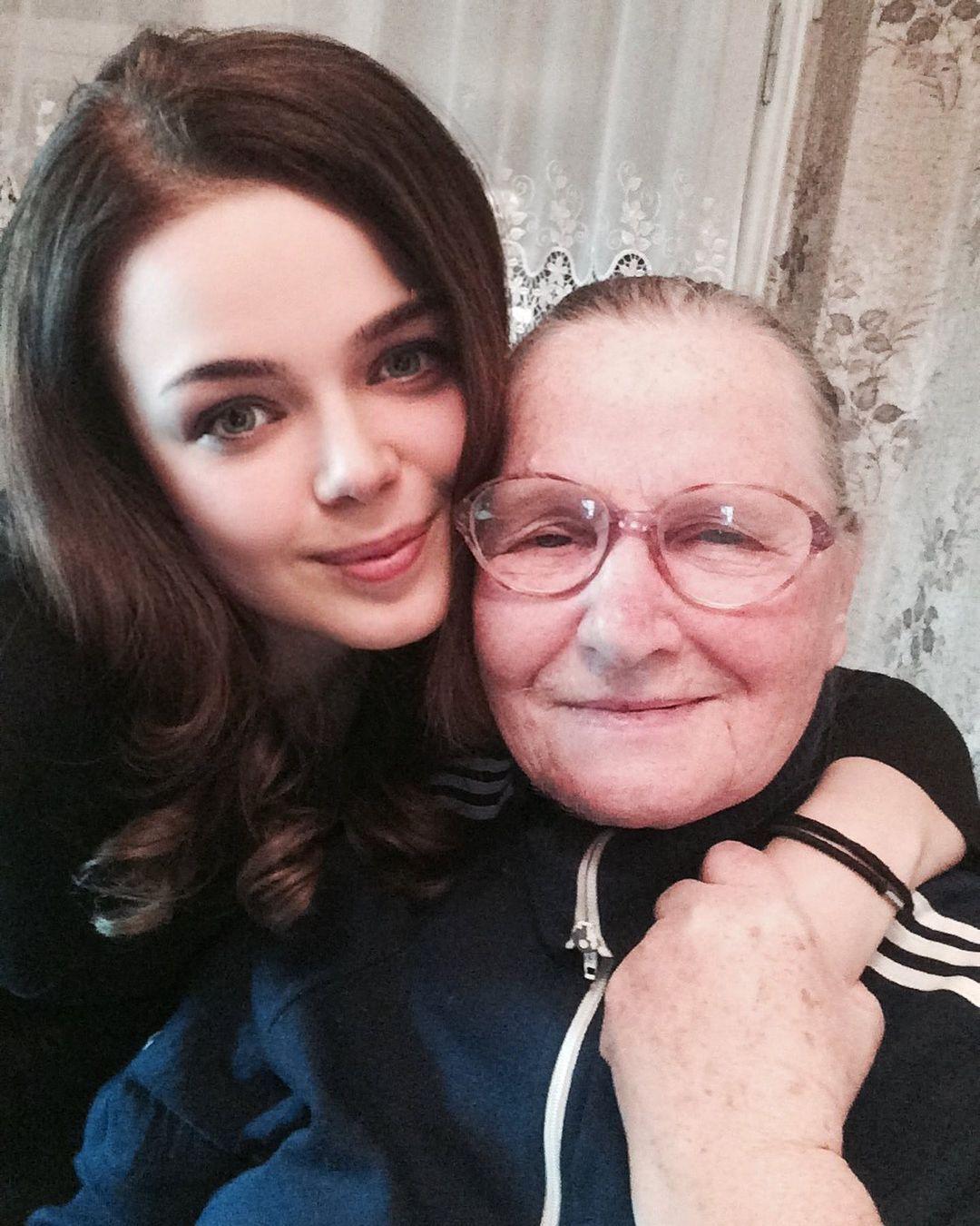 Алина Гросу с Клавдией Ивановной