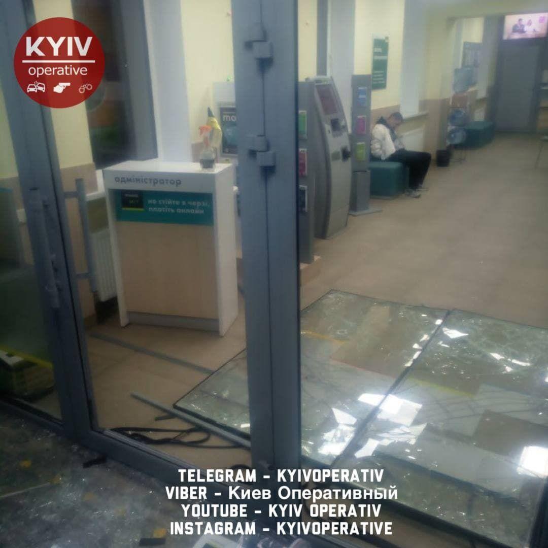 Злоумышленника задержали сотрудники частной охранной фирмы.