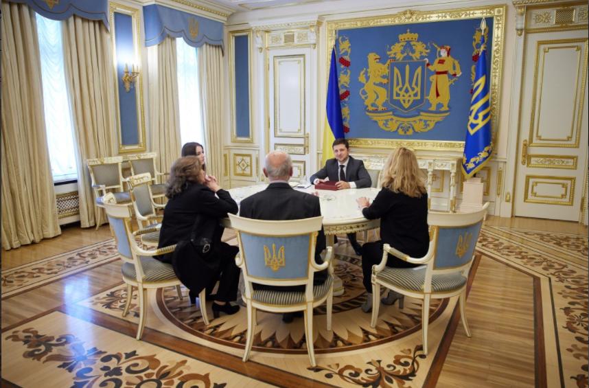Родина Кузьми зустрілася з президентом України