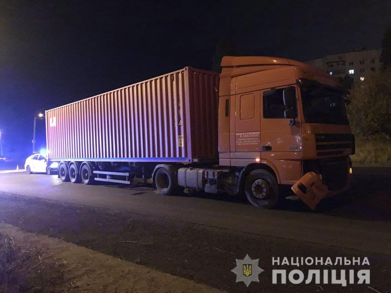 Фура сбила двух детей в Харькове