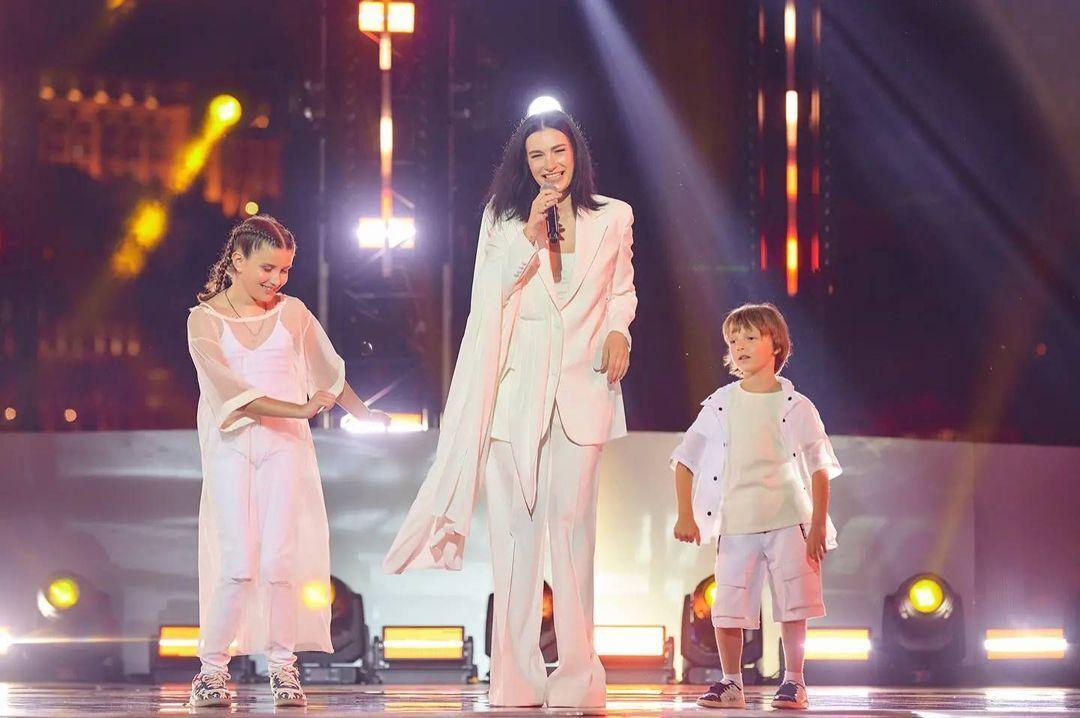 У Приходько трое детей. Не так давно она выступала на сцене со старшими дочкой и сыном