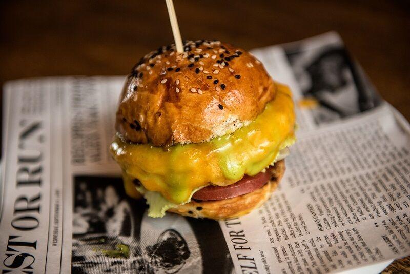 Фірмови чізбургер від Алекса Якутова