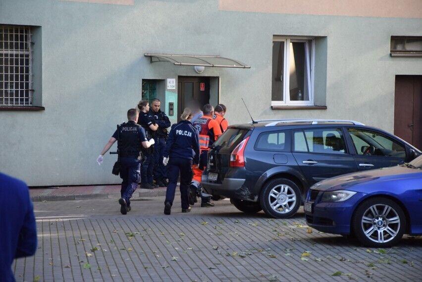 Полицейские у дома, где произошла трагедия