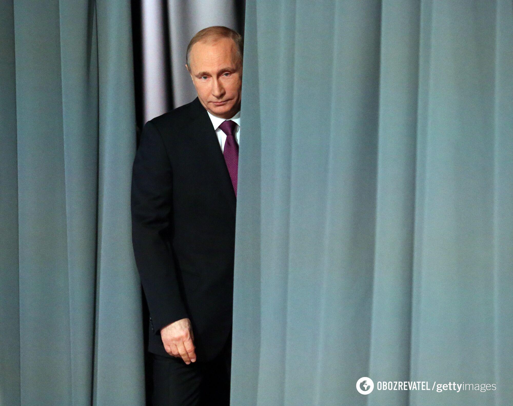 Путін втрачає позиції в Кремлі.