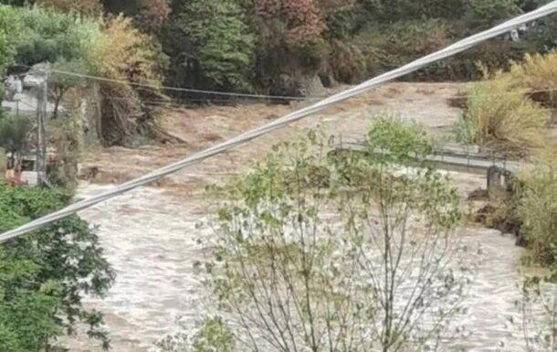 Проливні дощі викликали повені в Італії.