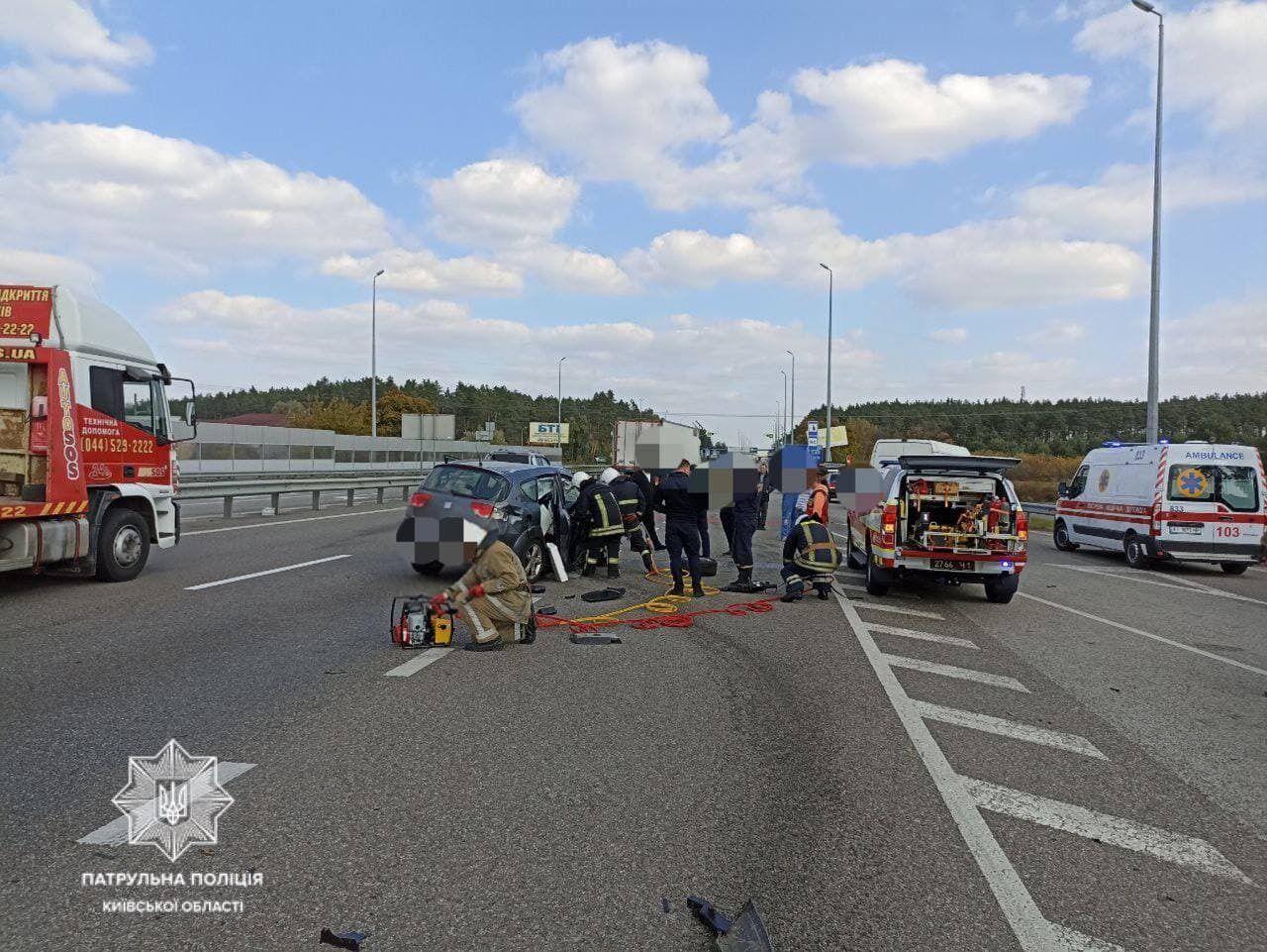 Одному участнику ДТП медики оказали помощь на месте аварии.