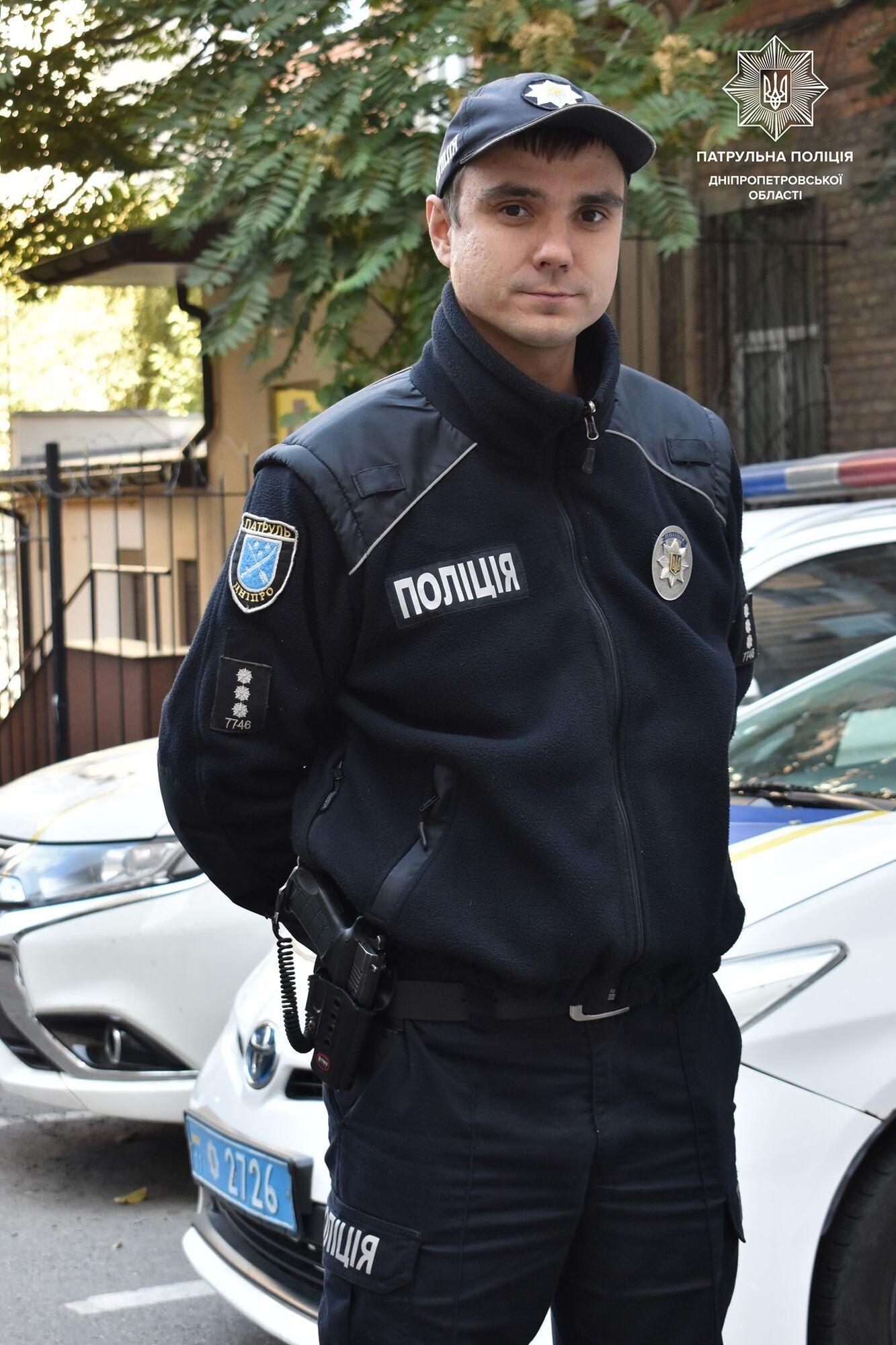 Полицейский Виталий Тыква спас двух школьниц