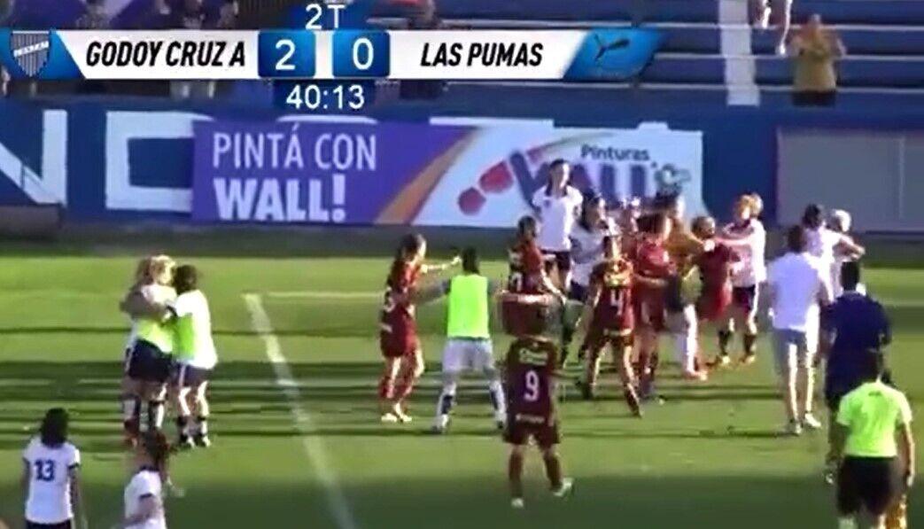 Женская драка в чемпионате Аргентины.