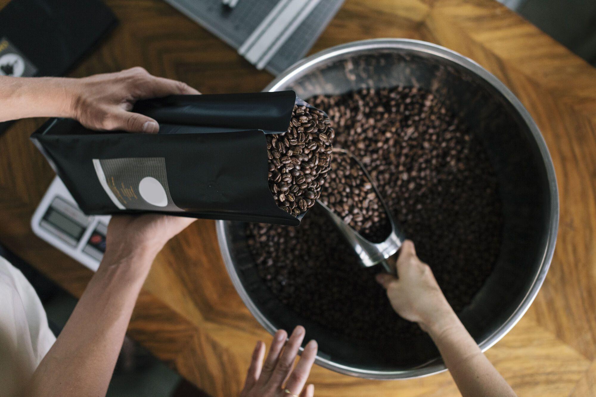 Як правильно зберігати каву