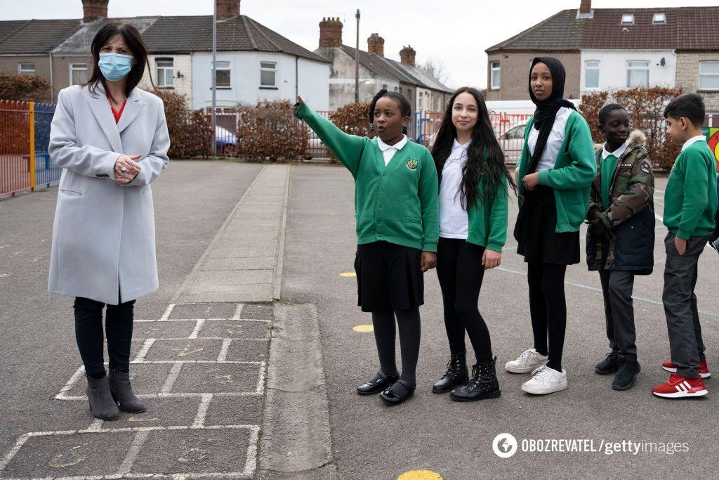 У Великій Британії можна щепити підлітків 16-17 років