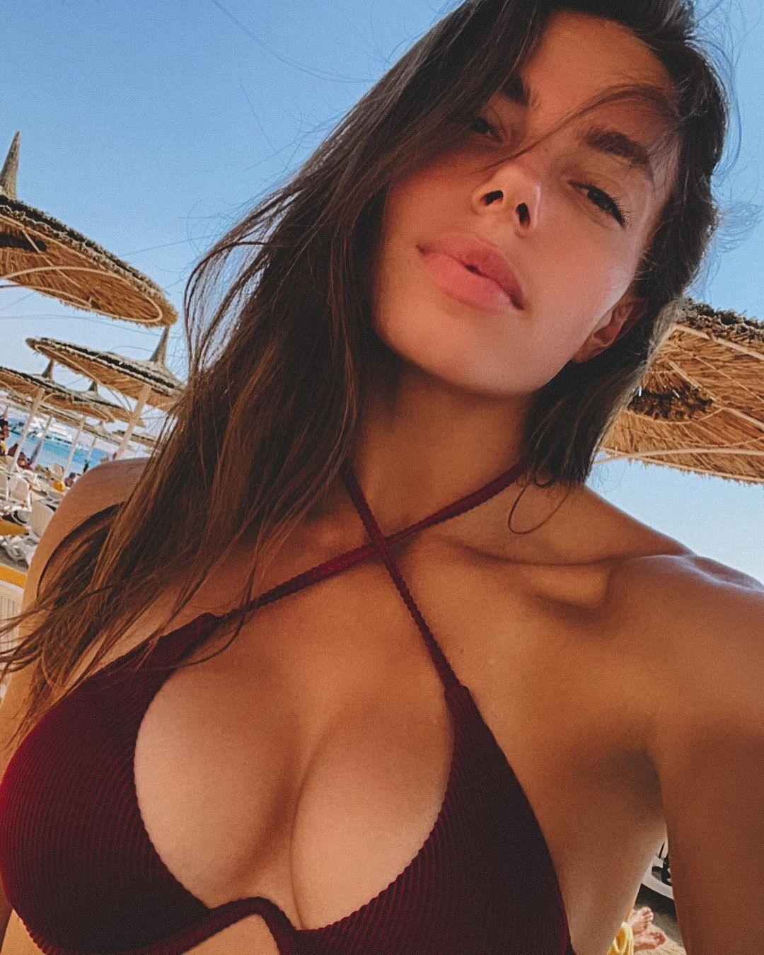 Марина Бех-Романчук на пляже в Египте.