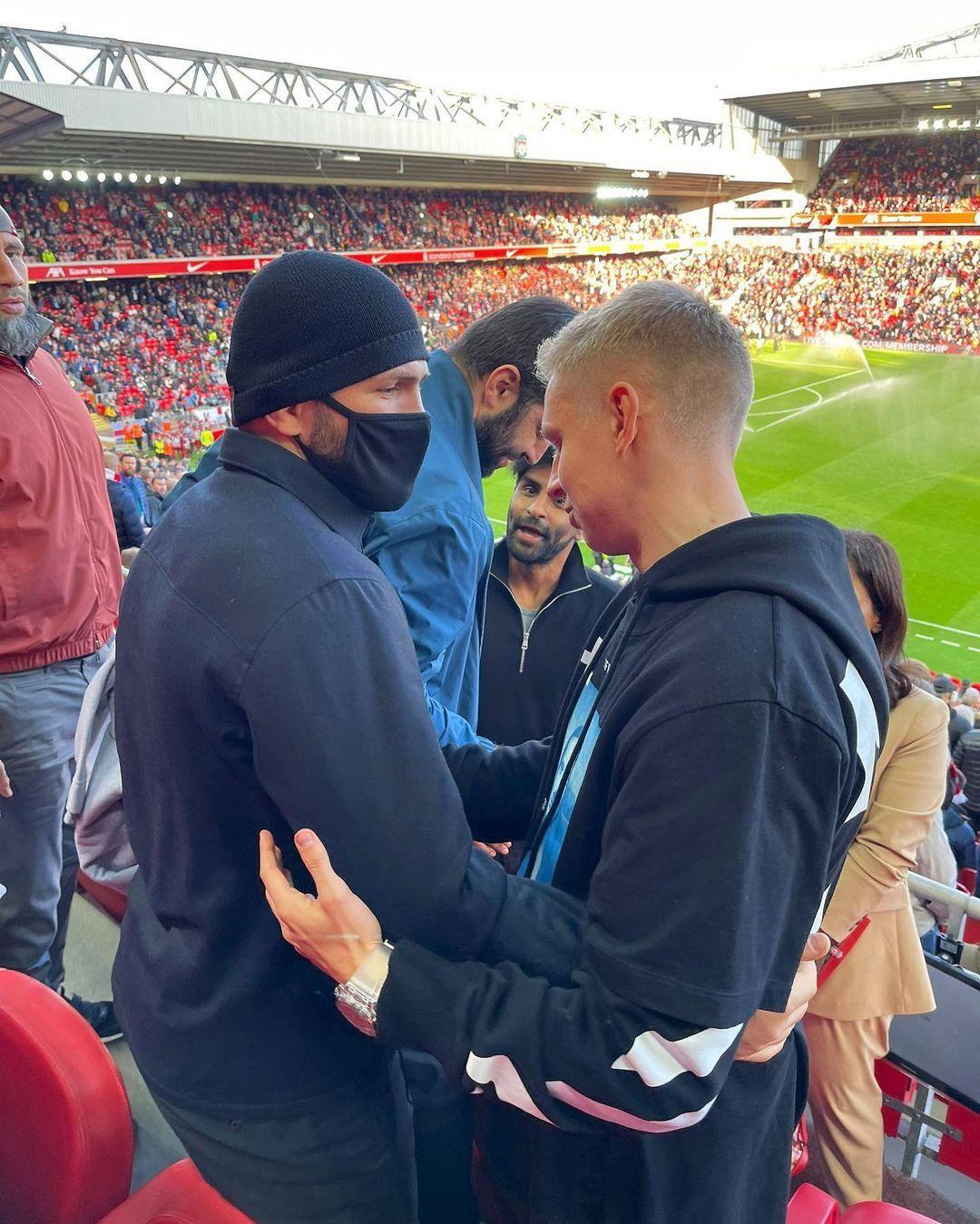 Зинченко пересекся с Нурмагомедовым на футболе