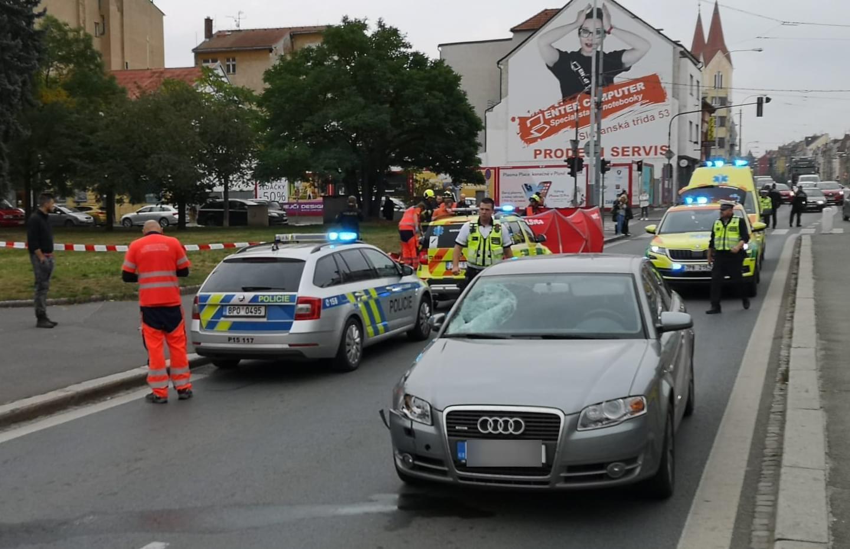 Следы от удара на Audi