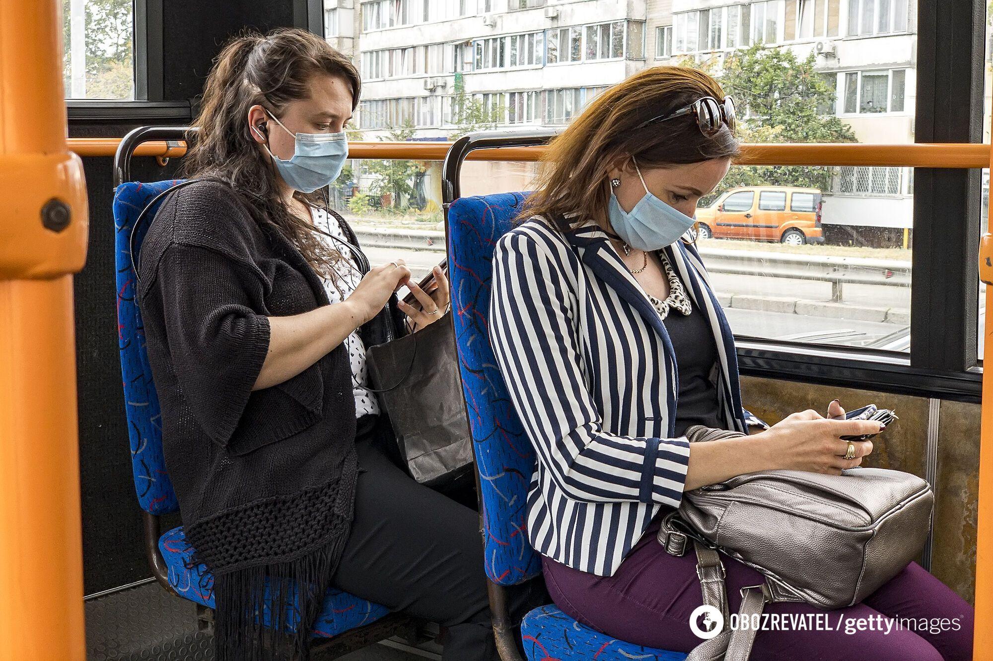 Громадський транспорт є найбільшою загрозою зараження.