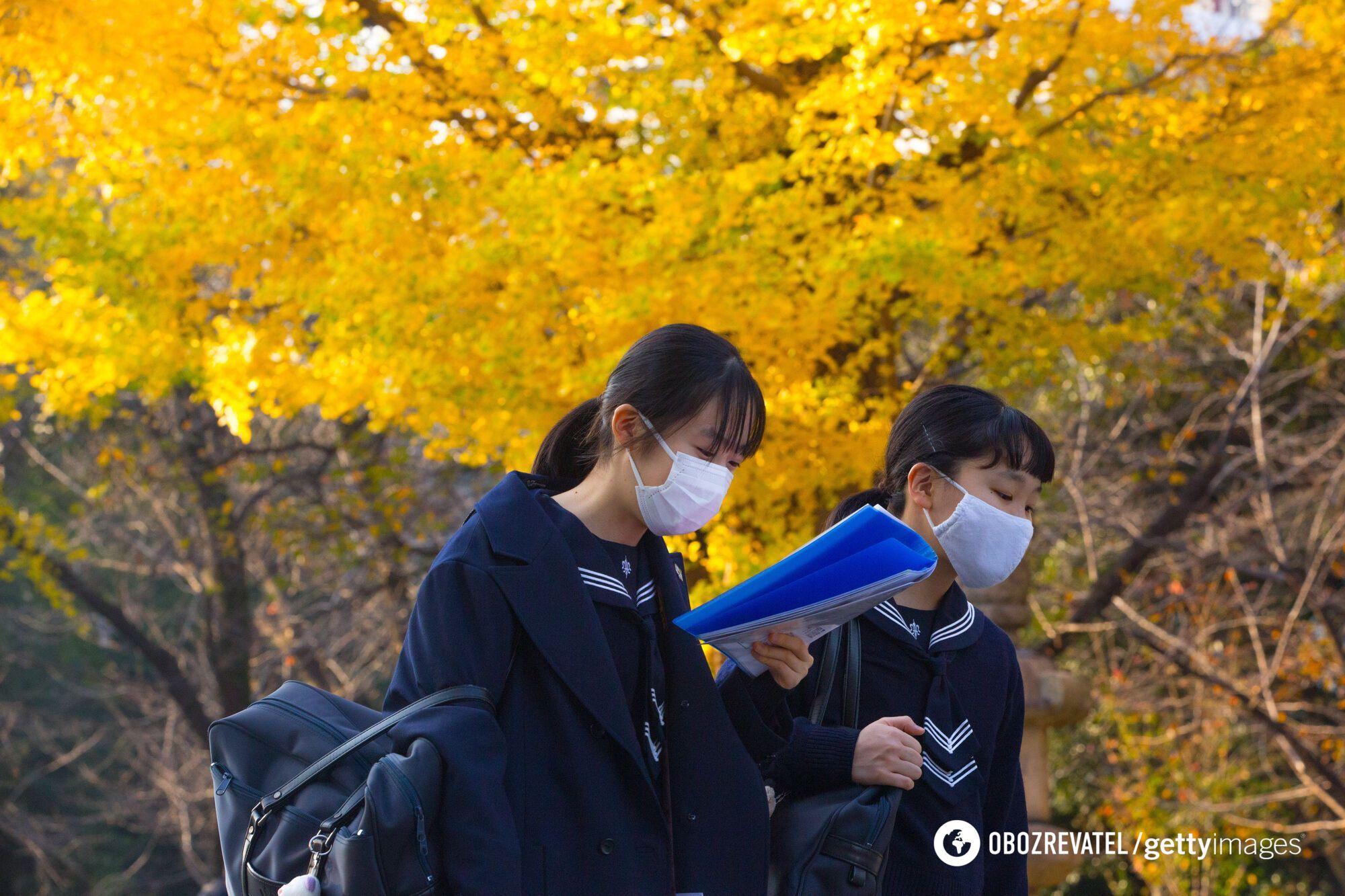 Девочки в Токио лучше учатся - и из-за этого не могут попасть в топовые госшколы