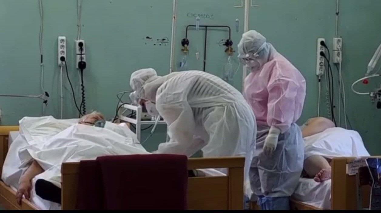 Пациенты ковидного госпиталя в Мелитополе.