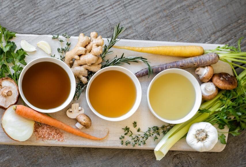 Від стресу підійде нежирний бульйон – на курці, індичці, кролику, рибі, а може, овочевий суп.