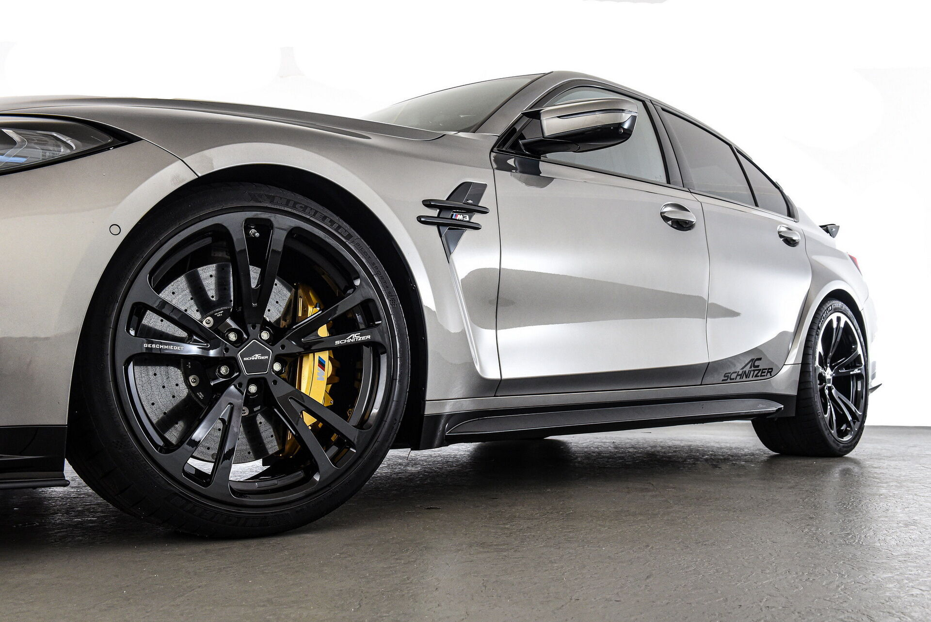 За основу для проекта была взята топовая версия BMW M3 Competition