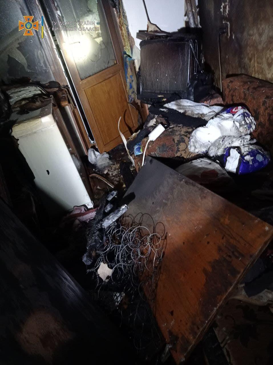 Во время тушения пожара в квартире нашли тело пенсионерки.