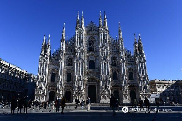 Миланский Дуомо может вместить 40 тысяч паломников одновременно.