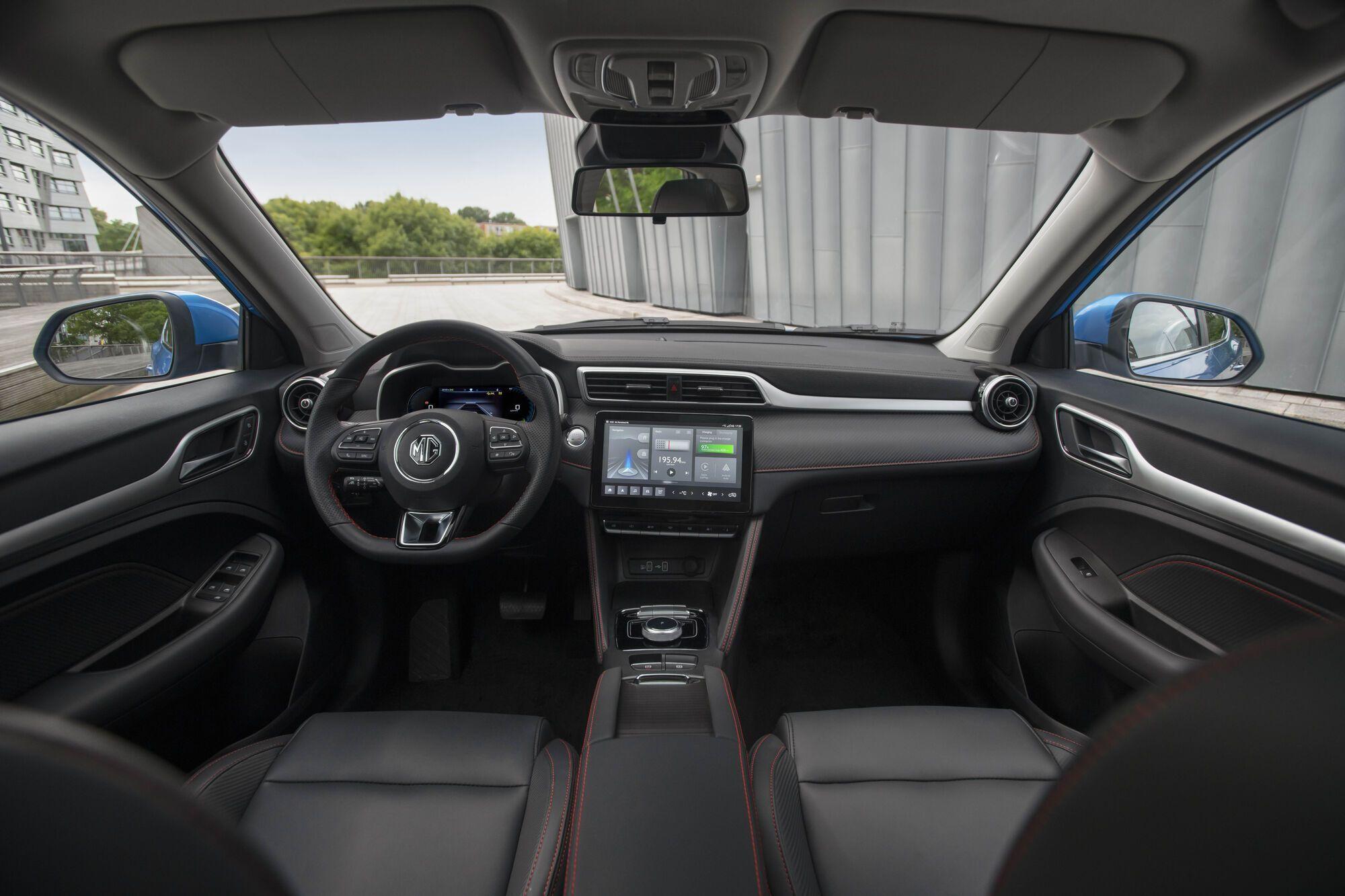 Обновленный MG ZS EV получил мультимедийную систему MG iSMART с 10,1-дюймовым сенсорным экраном