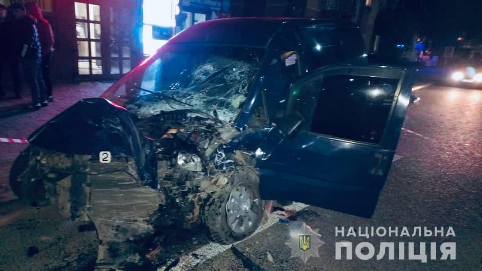 С телесными повреждениями госпитализированы оба водителя